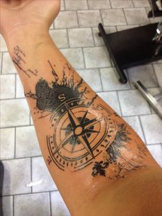 Trash polka compass  Lee Edström Mellberg. Made by Jacob (Jake) Wiman at Black Magic Tattoo in Karlshamn Sweden 24/7 2014.