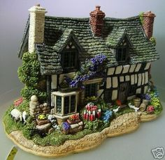 The Fleece Inn, Bretforton Wychavon Worcestershire Clay Houses, Ceramic Houses, Miniature Crafts, Miniature Houses, Christmas Villages, Christmas Home, Cottage Homes, Cottage Style, Hobby House