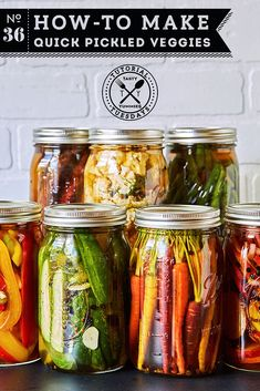 Make Quick Pickled Veggies How-to Make Quick Pickled Veggies // // www.tasty-How-to Make Quick Pickled Veggies // // www. Yummy Healthy Snacks, Quick Snacks, Healthy Recipes, Vegetarian Recipes, Fermentation Recipes, Canning Recipes, Pickled Vegetables Recipe, How To Pickle Vegetables, Pickling Vegetables