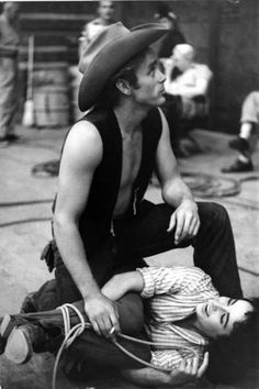 "Elizabeth Taylor and James Dean on the set of ""Giant"""