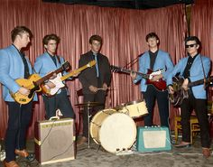 John Lennon, George Harrison and Paul McCartney at The Indra Club, Hamburg in with Pete Best on drums & Stuart Sutcliffe on guitar Rock And Roll, Great Bands, Cool Bands, Stuart Sutcliffe, The Quarrymen, The Who, Guitar Guy, Les Beatles, The Beatles 1960