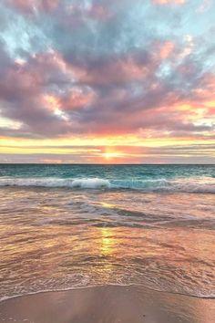 How to Take Good Beach Photos Beach Pictures, Nature Pictures, Pretty Pictures, Surfing Pictures, Summer Pictures, Wallpaper Tumblr Lockscreen, Wallpaper Wallpapers, Sunset Wallpaper, Bridge Wallpaper