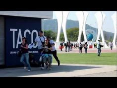 A TACO é o jeans OFICIAL do Rock in Rio! E é com muito orgulho que apresentamos nosso Case no Rock in Rio 2011. TACO: Todo Mundo. Todo dia.