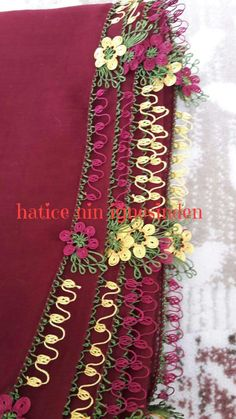 This Pin was discovered by HUZ Needle Lace, Bobbin Lace, Needle And Thread, Handmade Crafts, Diy And Crafts, Lace Art, Point Lace, Little Miss, Pansies