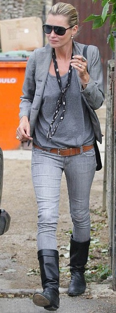 Who made Kate Moss' gray jeans?  Outfitidentifier.com