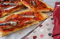 Coca recapte de sardinas (Receta fácil). Una receta fácil y deliciosa de Disfrutando de la Cocina. Vegetable Pizza, Cheese, Vegetables, Food, Savory Snacks, Chicken Croquettes, Homemade Tomato Ketchup, Bread Types, Recipes With Vegetables