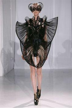 Extreme Fashion! Do You Wear an Unusual Dress? (11)