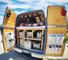 home decor organization ideas Van Life Storage and Organization Ideas Ideas for organizing items in a tiny DIY campervan conversion. Tips and hacks for a small living room, kitchen or bathroom layout. ideas to take with you when you build a campervan! Van Life, Accessoires Camping Car, Deco Paris, Kombi Home, Camper Van Conversion Diy, Van Conversion With Bathroom, Van Conversion Kitchen, Sprinter Van Conversion, Van Living