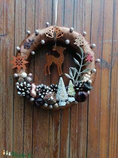 Barna színű őzikés ajtókoszorú - karácsony, tél, ajtódísz, kopogtató, óarany (Bokretaberek) - Meska.hu Advent, Christmas Decorations, Christmas Decor, Christmas Tables, Christmas Jewelry
