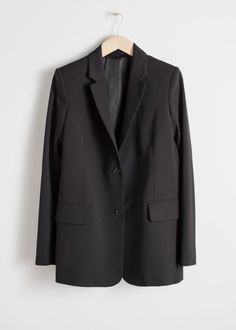 Straight fit blazer with flap pockets, notch lapels and two single button closures. LinedLength of blazer: / (size Model wears: EU UK US 4 / Small Flare, Jeans Bleu, Dressing, Oversized Blazer, Leather Chelsea Boots, Fashion Story, Black Blazers, Mode Style, Black Wool