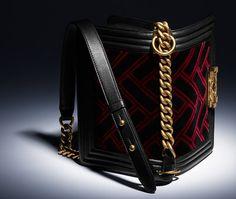 Petit sac boy CHANEL, velours, veau & métal finition bronze-noir & rouge - CHANEL