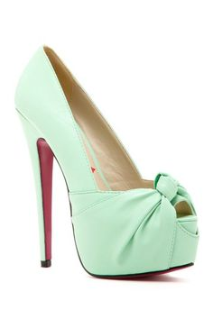 Mint Bow Pumps ( no need for heels this high with my 3 lil ones not to mention Im 59 without heels but a girl can dream rt)/ Dream Shoes, Crazy Shoes, Me Too Shoes, Stilettos, High Heels, Hot Shoes, Shoes Heels, Bow Heels, Lace Shoes