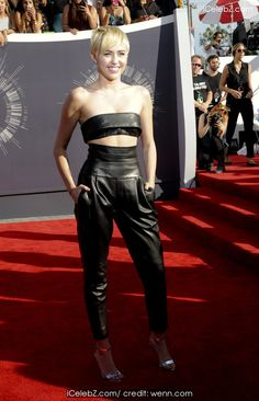 Miley Cyrus The 2014 MTV Video Music Awards at The Forum http://icelebz.com/events/the_2014_mtv_video_music_awards_at_the_forum/photo48.html