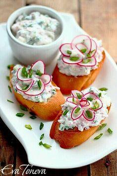 cutest radish flowers - recipes in bulgarian Mmmmm.