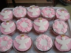Pearl Cupcakes, Desserts, Food, Baby Girl Baptism, Party, Log Projects, Ideas, Cold Porcelain, Christening