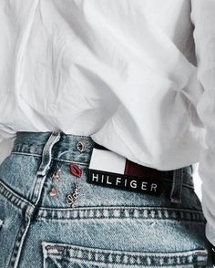 fashion | style | chick fashion | chick look | instagram fashion picture | instagram picture inspiration | insta photo | style | stylish selfie | from where i stand | burga | hilfiger jeans | high waisted jeans and white shirt