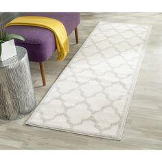 Safavieh Indoor/ Outdoor Amherst Beige/ Light Grey Rug (2' 3 x 13')