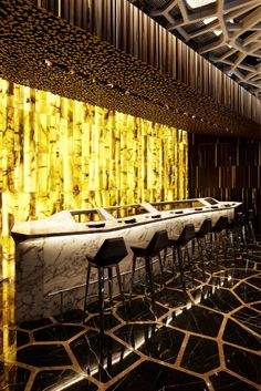 The Ozone Bar at the Ritz-Carlton in Hong Kong by Masamichi Katayama/ Wonderwall. A place that is full of surprises and excitement at every turn. Luxury Bar, Luxury Decor, Bar Interior Design, Interior Decorating, Nightclub Design, Cocktails Bar, Bar Lounge, Cool Bars, Cafe Restaurant