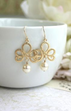 Matte Gold Filigree Scroll Ivory Pearls Gold Drop Dangle Earrings. Bridesmaid Gift. Ivory and Gold Wedding