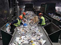 recycling_workers_img_1020_ed21-ff4420ea47a79d95d789e44020baa304d290085b-s900-c85.jpg (900×675)