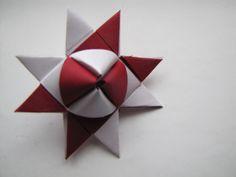 Fröbelstern -Variant tutorial, folding instructions Source by christamrzyglod 3d Origami, Origami Simple, Origami Quilt, Useful Origami, Origami Stars, Origami Paper, Diy Paper, Oragami, Quilling Tutorial