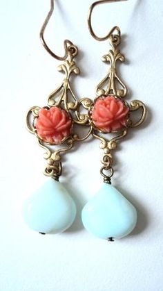 Probably my top favorite pair of earrings on this website.... Just love these two colors together. Gorgeous.