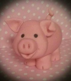 a fondant pig.... why didnt I think of this?