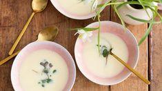 Avgolemono on kreikkalainen sitruunakeitto - Kotiliesi. Cantaloupe, Fruit, Soups, Food, Essen, Soup, Meals, Yemek, Eten
