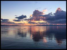 Justo ahora en el atardecer! En el lugar y momento preciso  Muelle Ancud Chiloé  #muelleancud  #ancud  #ancudcity  #ancudchiloe  #ancudchiloé  #ancudencanta  #chiloe  #chiloé  #chiloegram  #chiloeisland  #chiloemágico  #instachiloe  #decimaregion  #regiondeloslagos  #atardecer  #sunset
