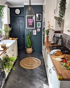Find Tons of Decor Inspiration in This Quirky and Colorful UK Home - This bold . Find Tons of Decor Inspiration in This Quirky and Colorful UK Home - This bold and bright home features interesting wall paint colors (from navy blue to pink) and wallp - Bright Homes, Style At Home, Interior Modern, Interior Paint, Interior Ideas, Interior Inspiration, Pink Kitchen Inspiration, Bathroom Interior, Kitchen Interior Diy