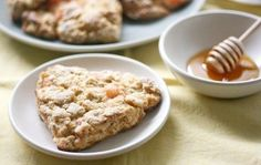 Honeyed Grapefruit Oat Scones from The Kitchn. http://punchfork.com/recipe/Honeyed-Grapefruit-Oat-Scones-The-Kitchn