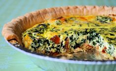 Up your brunch game with this easy recipe for BLT Quiche starring crisp bacon, leafy spinach and flavor-packed sundried tomatoes. Breakfast Quiche, What's For Breakfast, Breakfast Dishes, Breakfast Recipes, Breakfast Casserole, Tacos, Quiche Recipes, Yummy Food, Yummy Recipes
