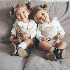 Taytum and Oakley Fisher Twin Baby Girls, Twin Babies, Cute Baby Girl, Baby Kids, Twin Baby Clothes, Cute Twins, Cute Babies, Cute Baby Pictures, Baby Photos