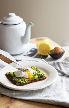 Weekend breakfast ingredients :: eggs avocados.