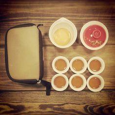 Сверх-компактный переносной набор для приготовления чая. В сумочке есть отсек и для хранения чая. Друзья оценят! :))
