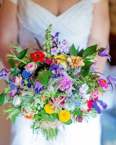 Wildflower Wedding Bouquets Not Just For The Country Wedding ★ 18 wildflower wedding bouquets not just for the country wedding katherine ashdown Boquette Wedding, Wedding Flower Guide, Rustic Boho Wedding, Summer Wedding Bouquets, Summer Wedding Colors, Wedding Flowers, Wedding White, Trendy Wedding, Wildflowers Wedding