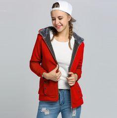 872425a4c2a Dámská podzimní mikina s kapucí a kožíškem na zip ČERVENÁ – VELIKOST L Na  tento produkt
