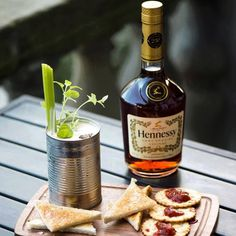 the Maison de maria by Proinseas Cosgrove BELFAST / UNITED KINGDOM 60ml Hennessy Juice from one tin of Heinze beanz 25ml Lime 10ml Lemon 10 Ml Sugar Pinch of Shredded basil Pinch of Oregano Sprinkle of salt & Pepper Celery Bitters Served with Toast & lavender Honey Spread and Crackers with a Jalapeno Relish. Garnish alters the taste of the drink so it can be either a sweet & Savoury drink, or Spicy #cocktailsaroundtheworld #theMaisondemaria