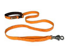 The Ruffwear Flat Out dog leash has a convenient traffic handle close to the Talon Clip™ gives you quick control.    Available in four solid colors and four patterns.