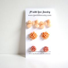 Love these sweet earrings!  The color is perfect for Spring!
