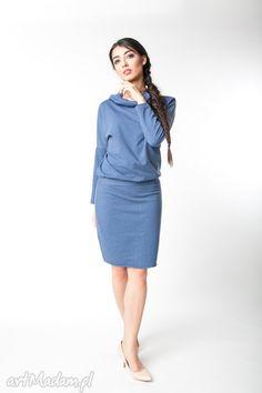 s/m sukienka z kapturem indygo. $30