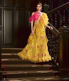 Beautiful Lehenga-Choli with modern silhouettes. Saree Gown, Lehnga Dress, Lehenga Blouse, Lehenga Choli, Sarees, Lehenga Designs, Saree Blouse Designs, Indian Gowns, Indian Outfits