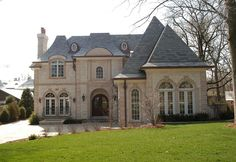 Photos of Luxury Home Exteriors by Heritage Luxury Builders