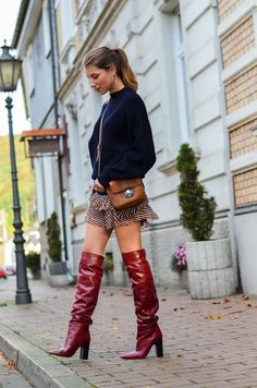 Oversized pullover, red boots & Isabel Marant skirt www.streetstyleci… Fashion inspired by the people in the street First autumn leaves, red boots & Isabel Marant skirt Hot High Heels, High Heel Boots, Heeled Boots, Shoe Boots, Tall Boots Outfit, Outfit Jeans, Skirts With Boots, Mini Skirts, Skirt Boots