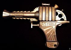 Space Guns - ASTRALE SPACE WATER PISTOL - COMA - ITALY - ALPHADROME ROBOT AND SPACE TOY DATABASE