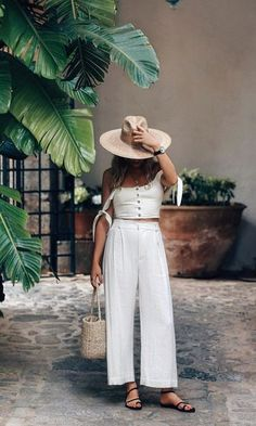 Fashion Tips Color .Fashion Tips Color Classy Outfits, Chic Outfits, Beach Outfits, Travel Outfits, Size 12 Fashion, Womens Fashion, Color Fashion, Boho Trends, Cool Summer Outfits