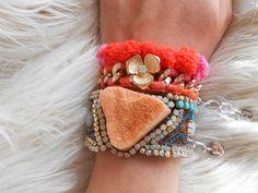 ABSOLUTELY LOVE THIS! #orange #agate #bohemian #bracelet https://www.etsy.com/listing/258361742/orange-agate-bracelet-druzy-agate