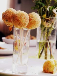 Croqueta de patata en pops