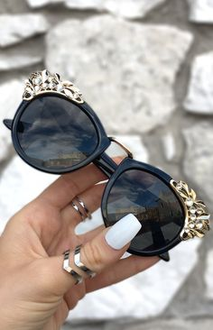 222cce03cab Grace Sunnies - Black Frame   black Lens. Cute GlassesSunniesSunglassesFashion  ...