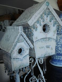 This whole site inspires me to go back to my basement with my broken china and embellishments ♥